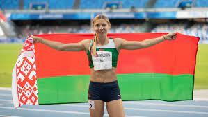 L'athlète bélarusse Tsimanouskaya a quitté Tokyo pour Vienne, avant de se réfugier en Pologne