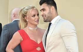 Etats-Unis : Britney Spears s'est fiancée avec Sam Asghari