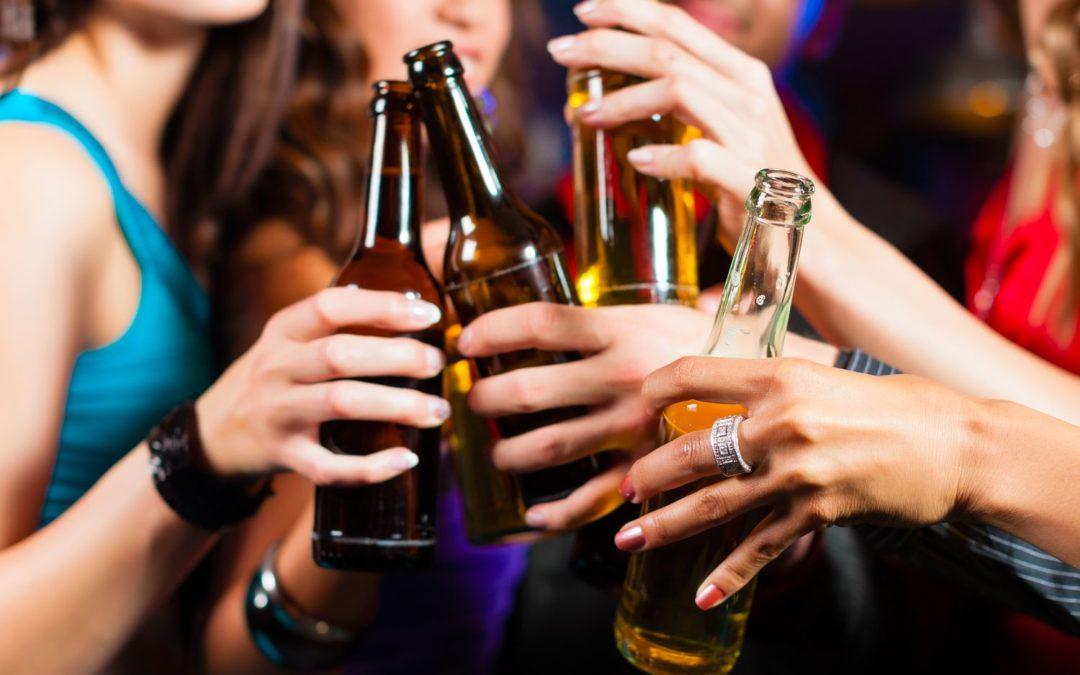 Cancer : l'OMS préconise de doubler les taxes sur l'alcool en Europe