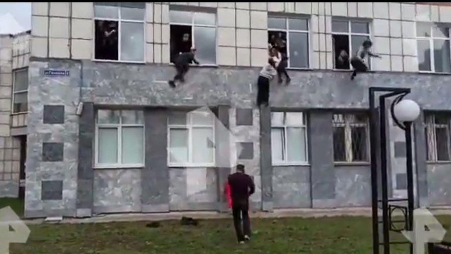 Russie : le bilan revu à six morts après une fusillade à l'université de Perm